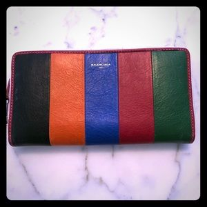Balenciaga Zip Around Wallet!